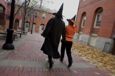 10_27_salem_witches_halloween