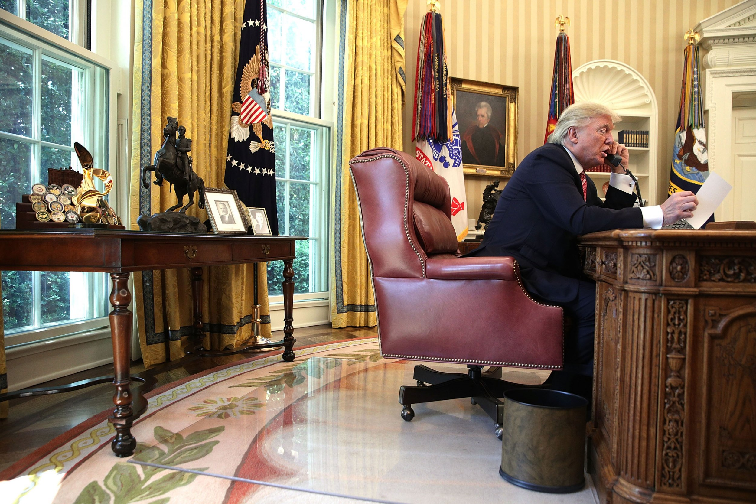 Trump S White House Redecoration Cost 1 75 Million In Furniture Wallpaper And More Report