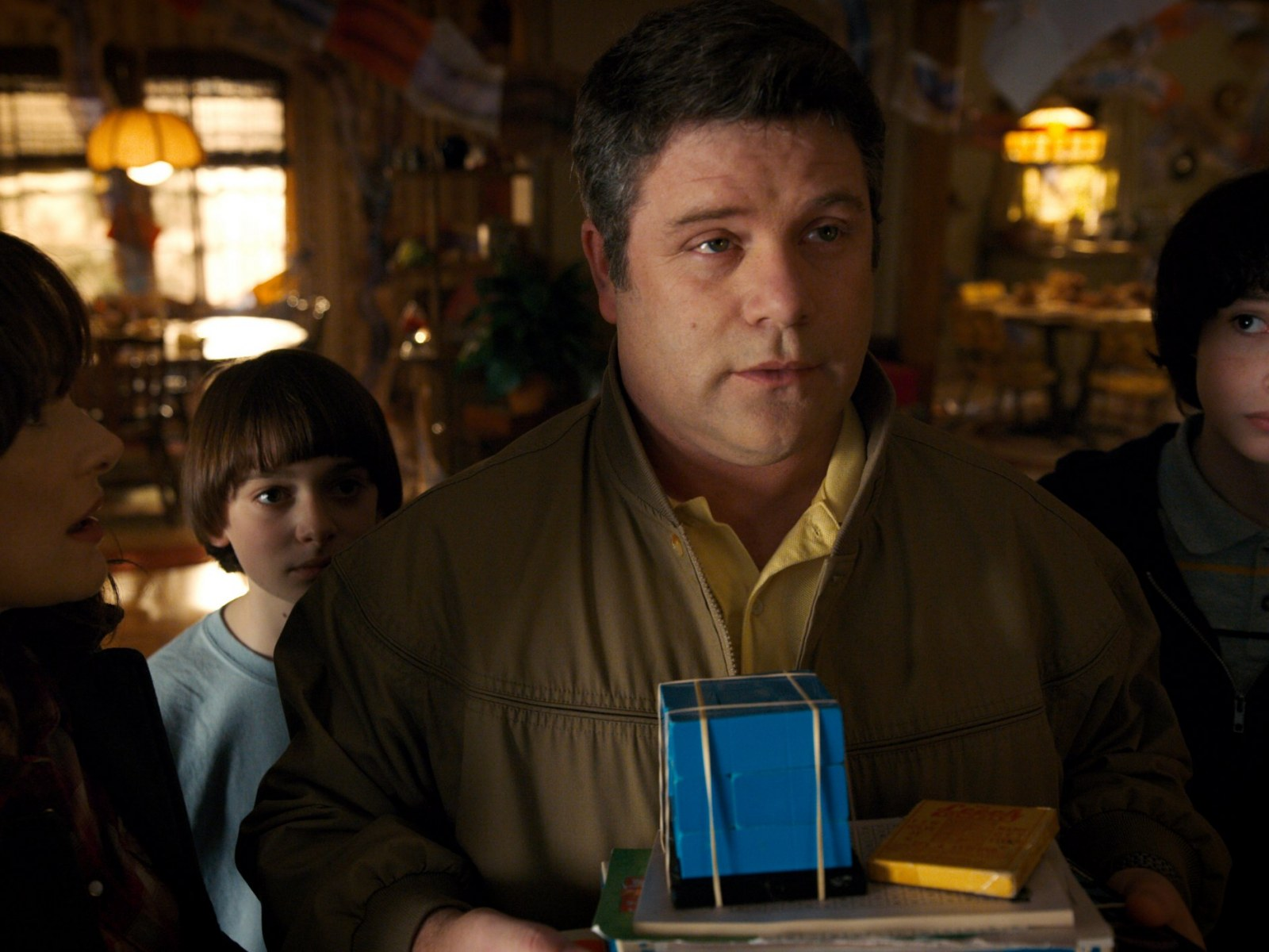 Sean Astin Talks 'Stranger Things 2:' That 'Goonies' Reference and Bob's Final Scene