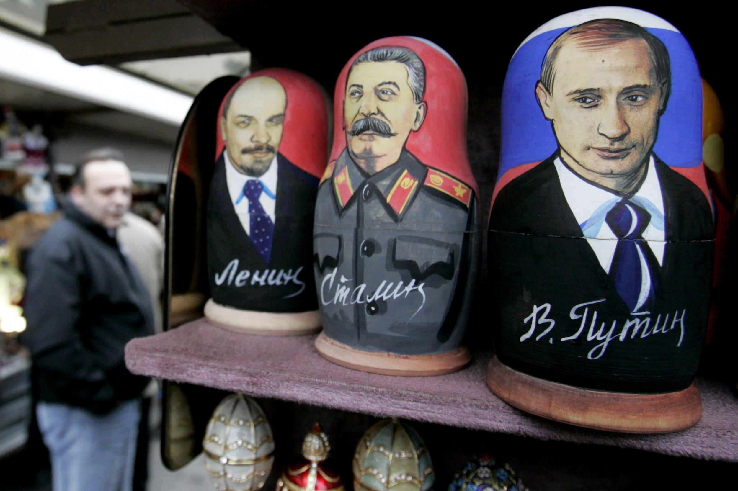 11_01_Lenin_Putin_Stalin