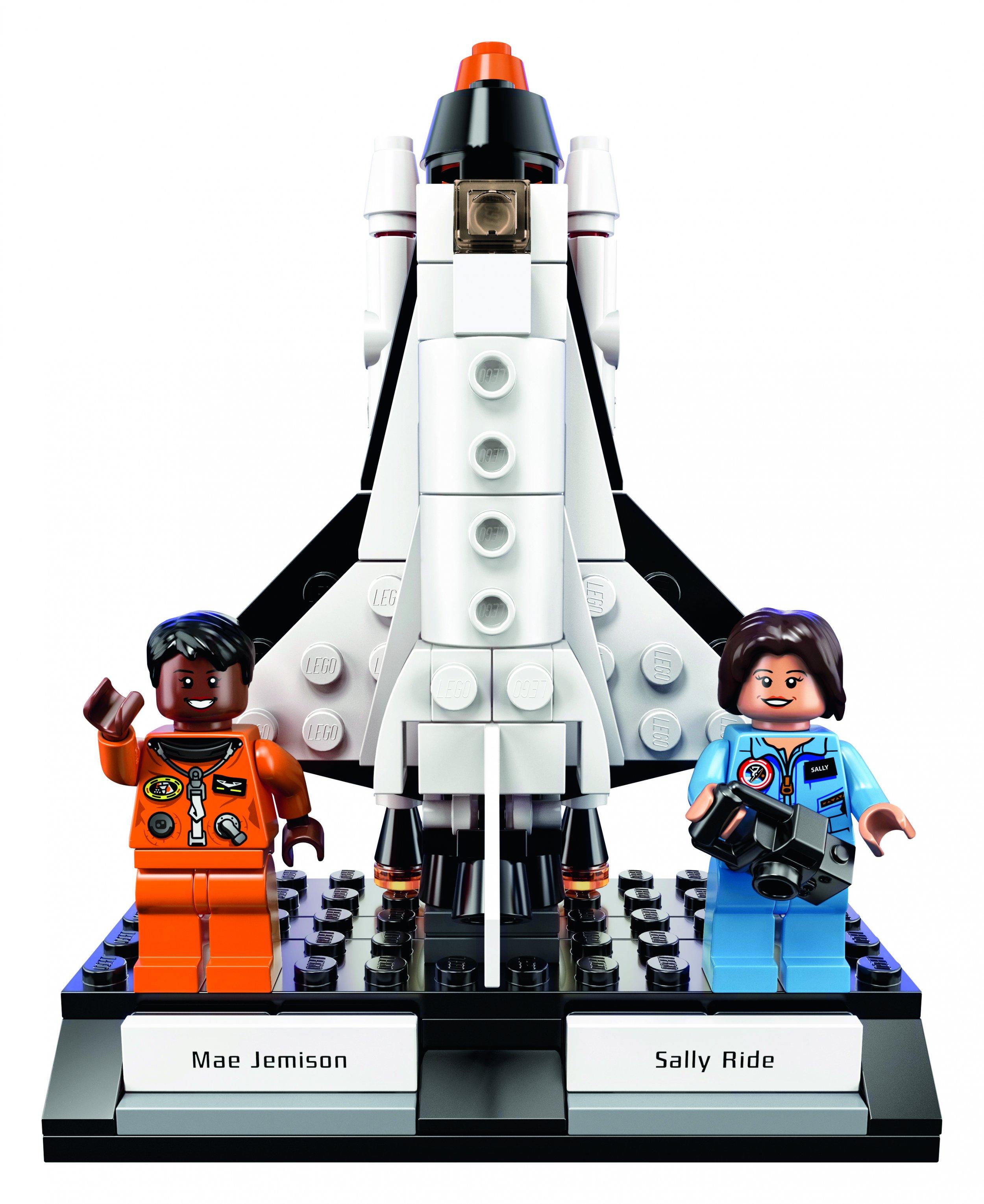 HighRes_LEGO-Ideas-Women-of-NASA_D