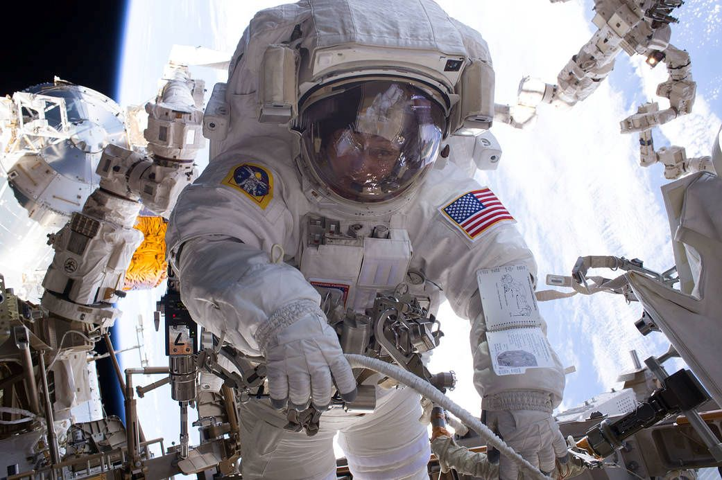 1101_astronauts_brain