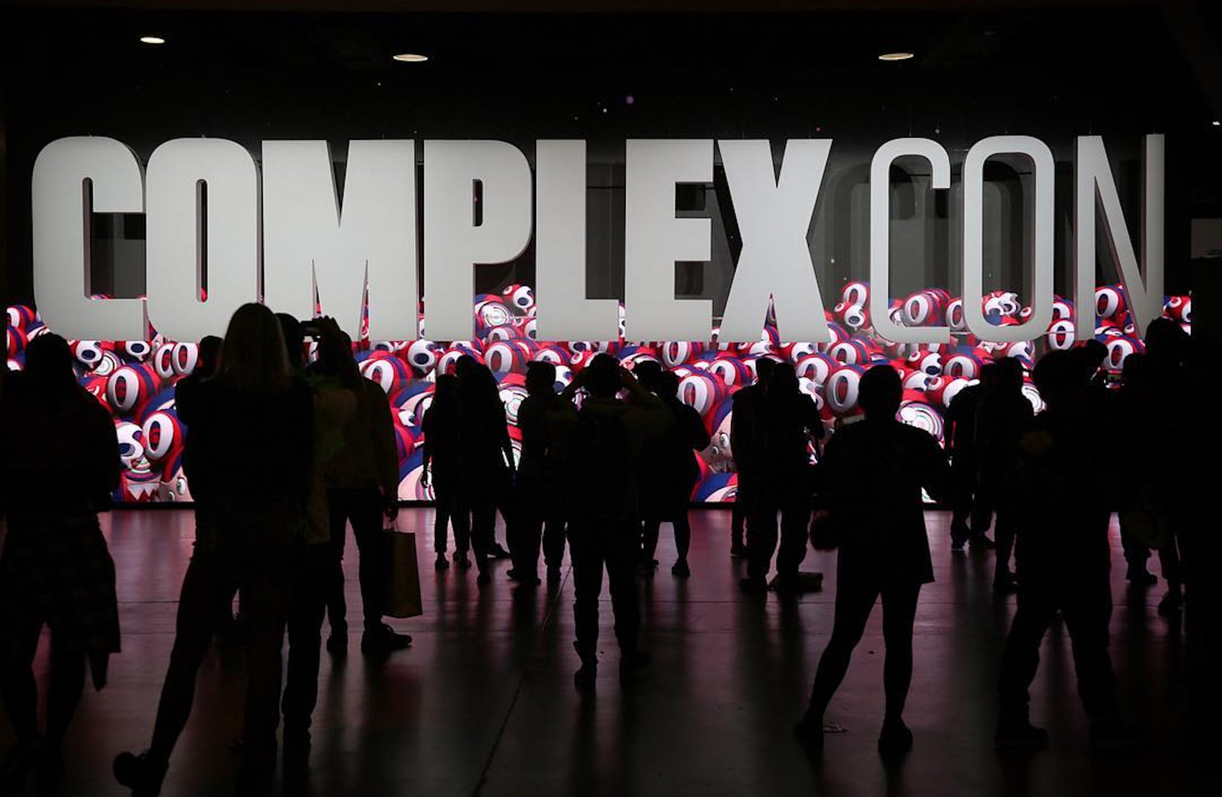 complexcon sign for complex networks story
