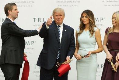 1102_Trump_Family