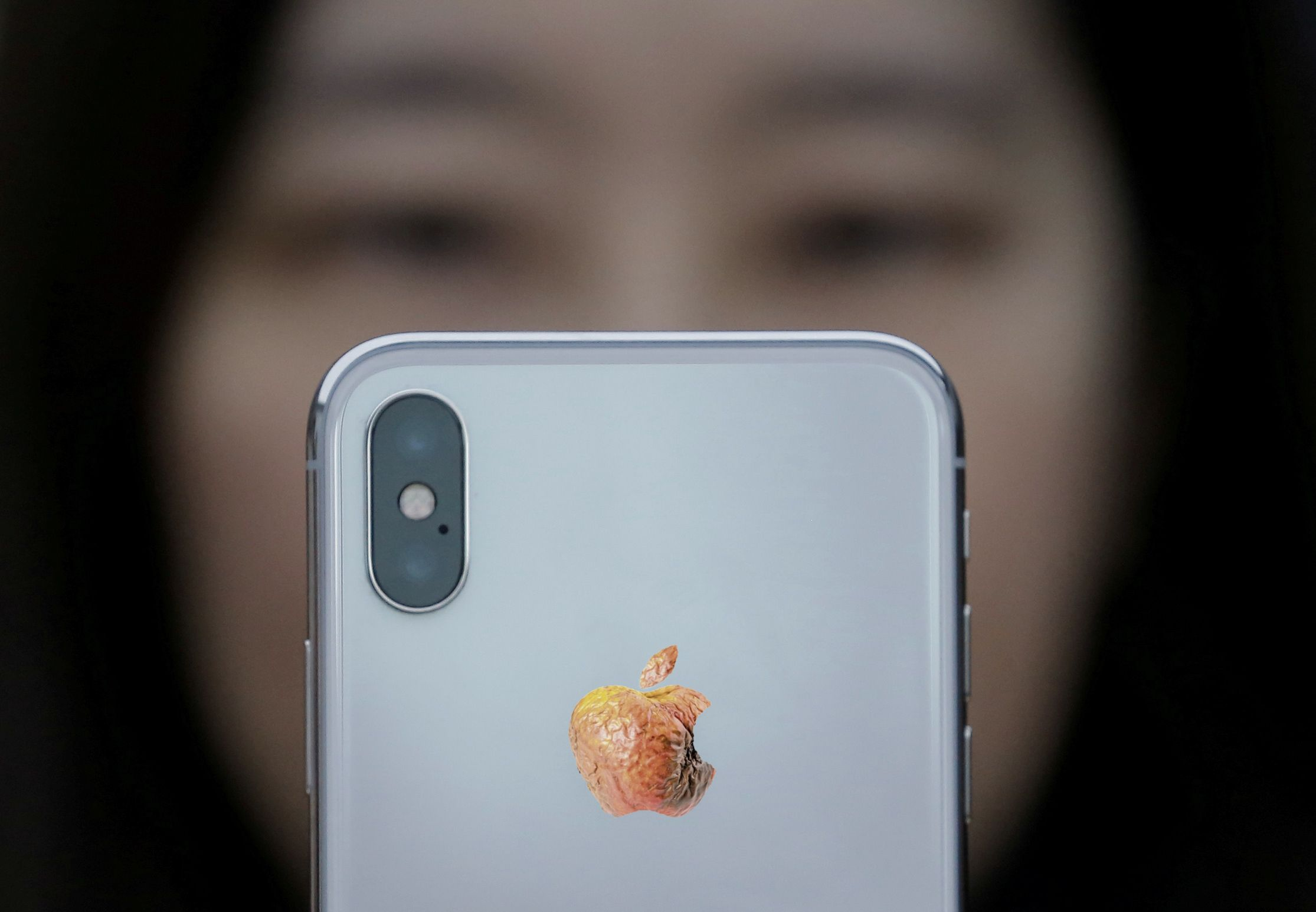 apple iPhone X china factory conditions