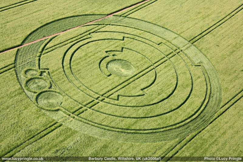 Lucy_Pringle_Aerial_Shot_of_Pi_Crop_Circle_-_panoramio