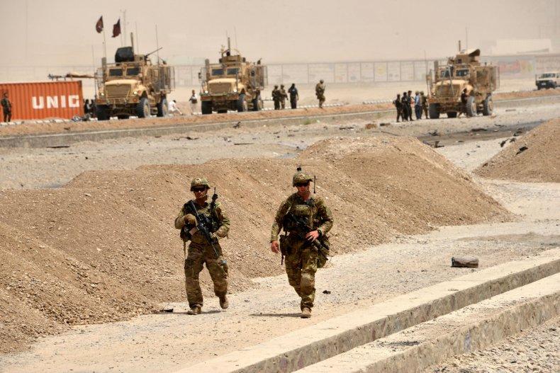 11_07_Afghanistan_US_troops