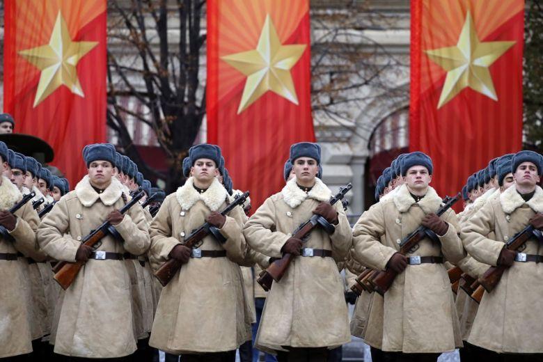 dw-russia-revolution-171107