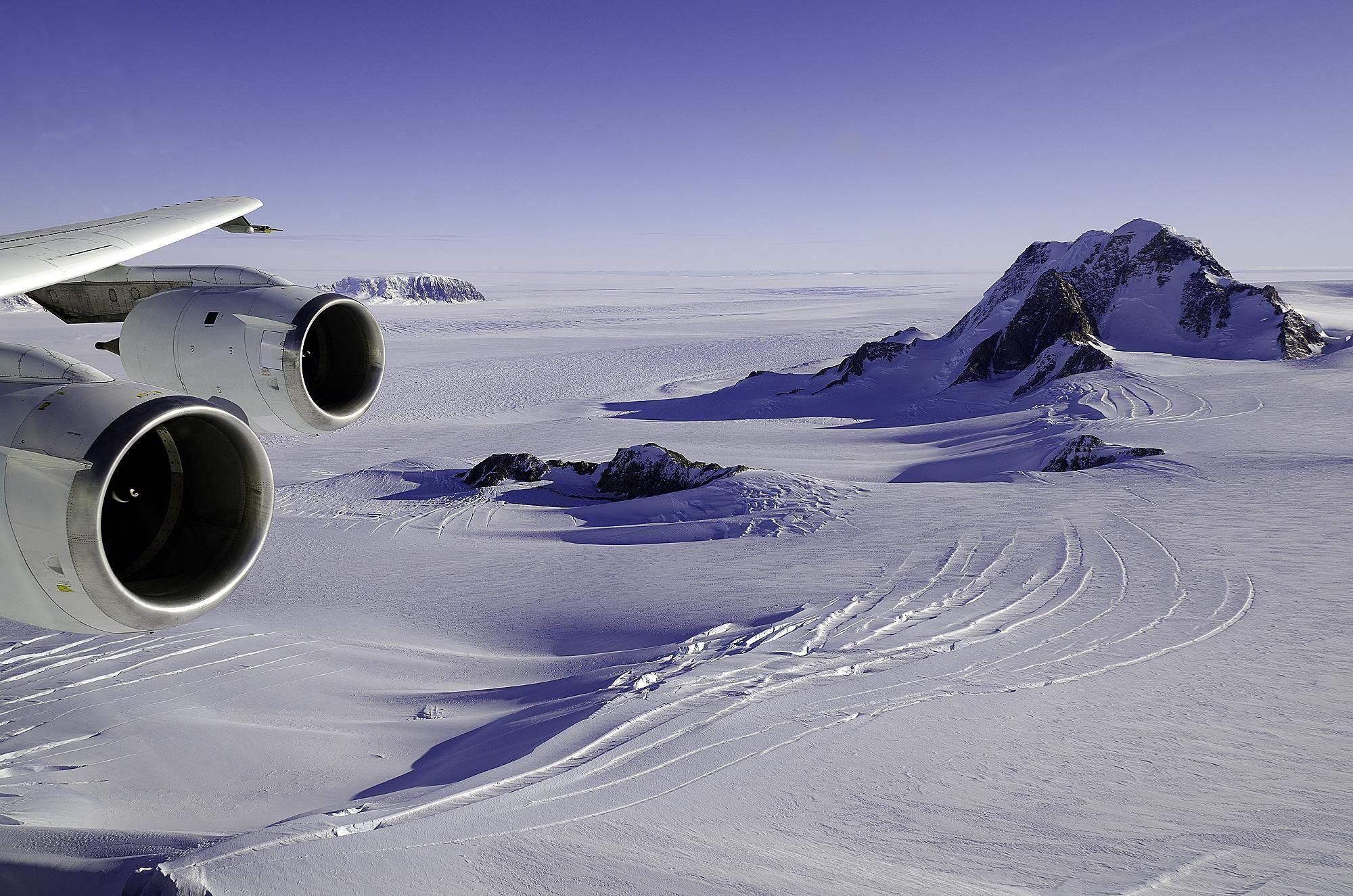 Marie_Byrd_Land,_West_Antarctica_by_NASA