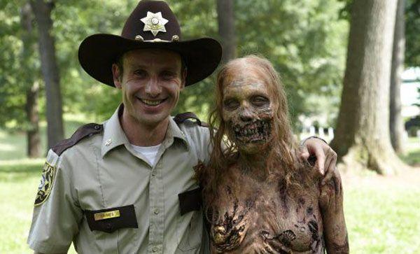 walking-dead-season-1-zombie-and-rick