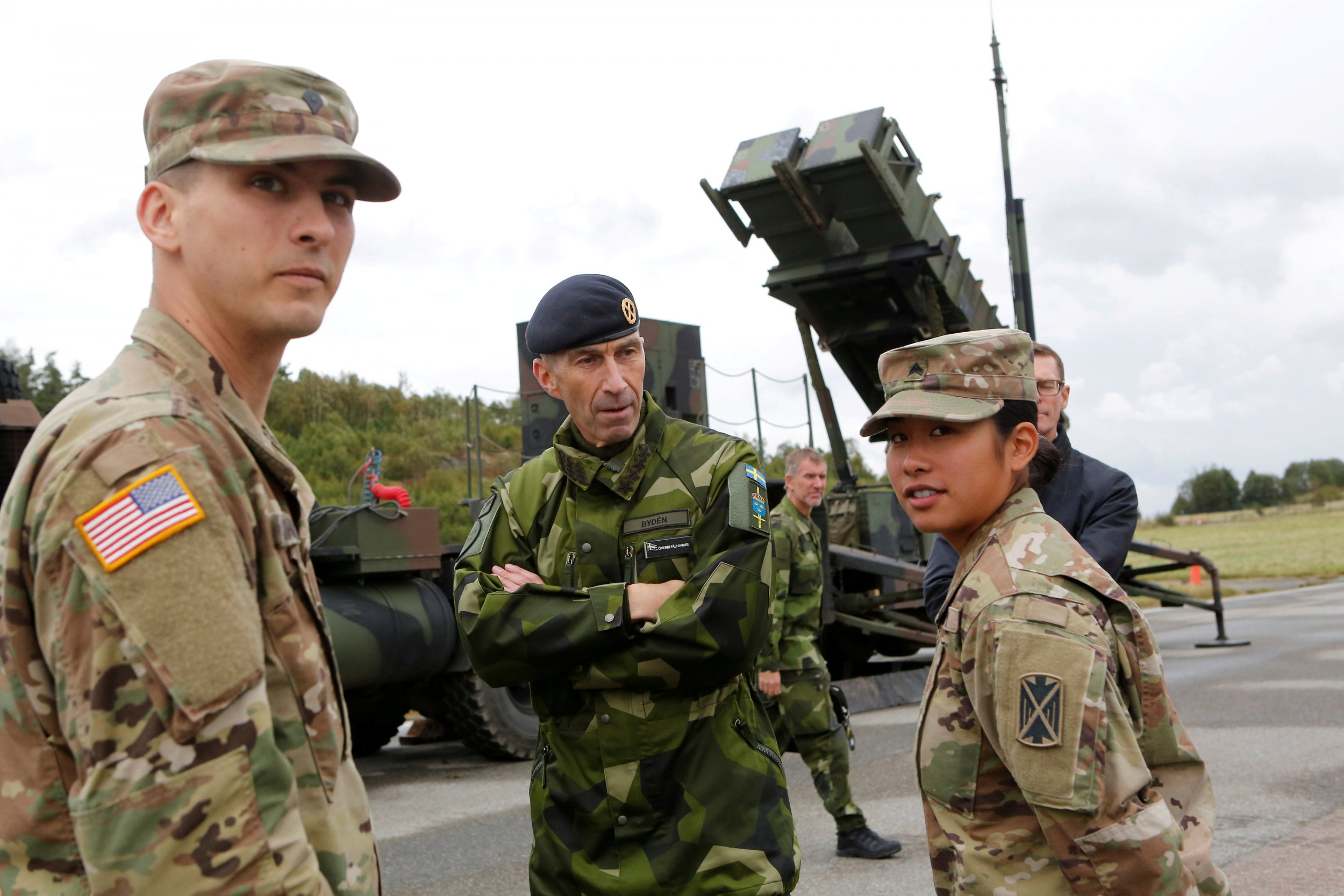 11_09_Sweden_troops