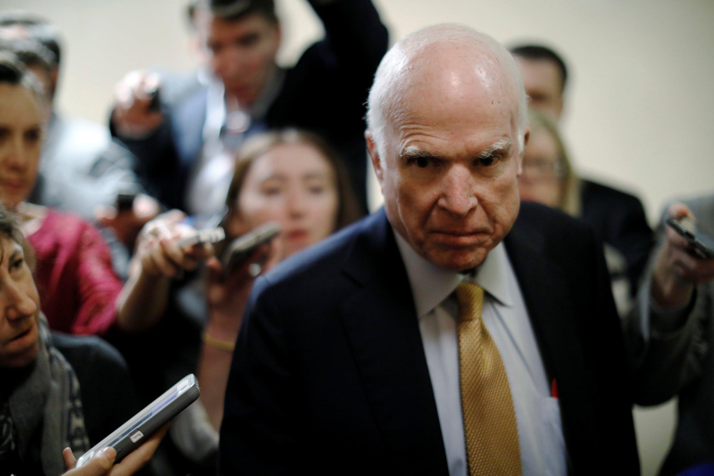 11_09_McCainTrump