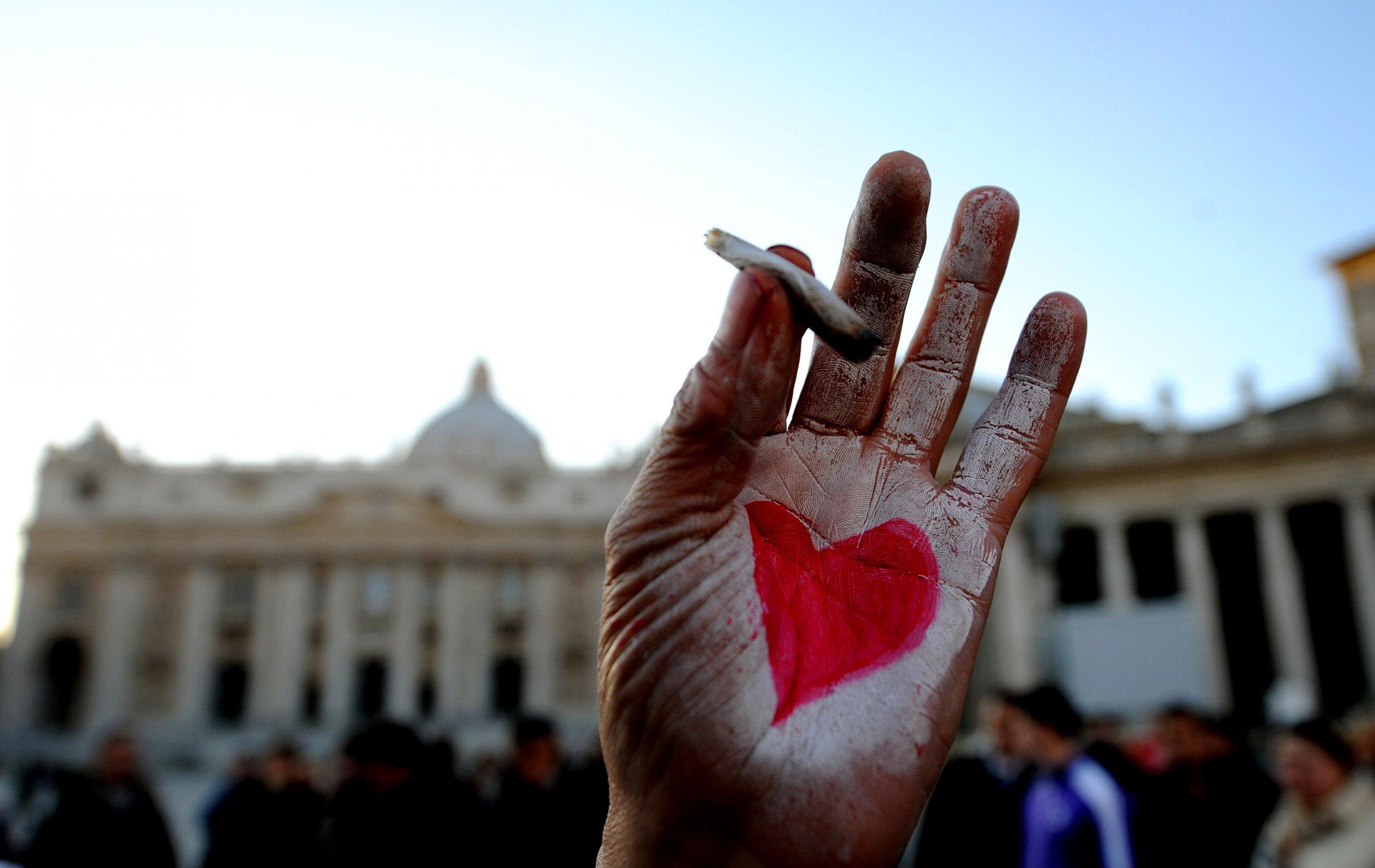 11_09_Vatican_Smoke