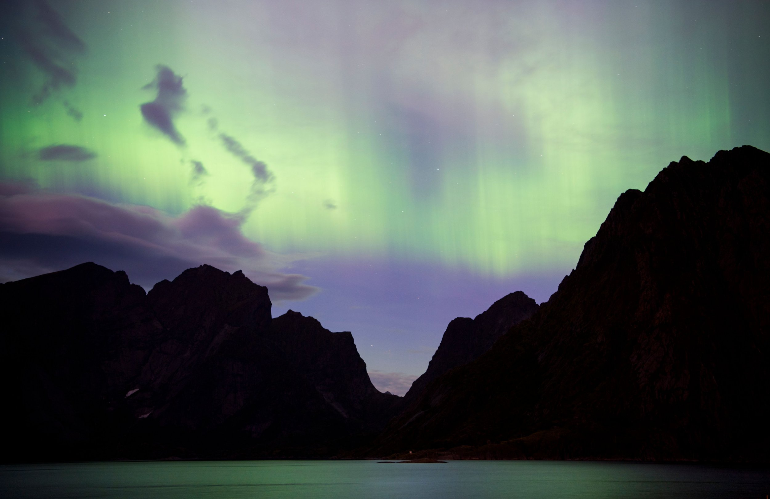 Stunning Photos Show Aurora S Northern Lights Over U S