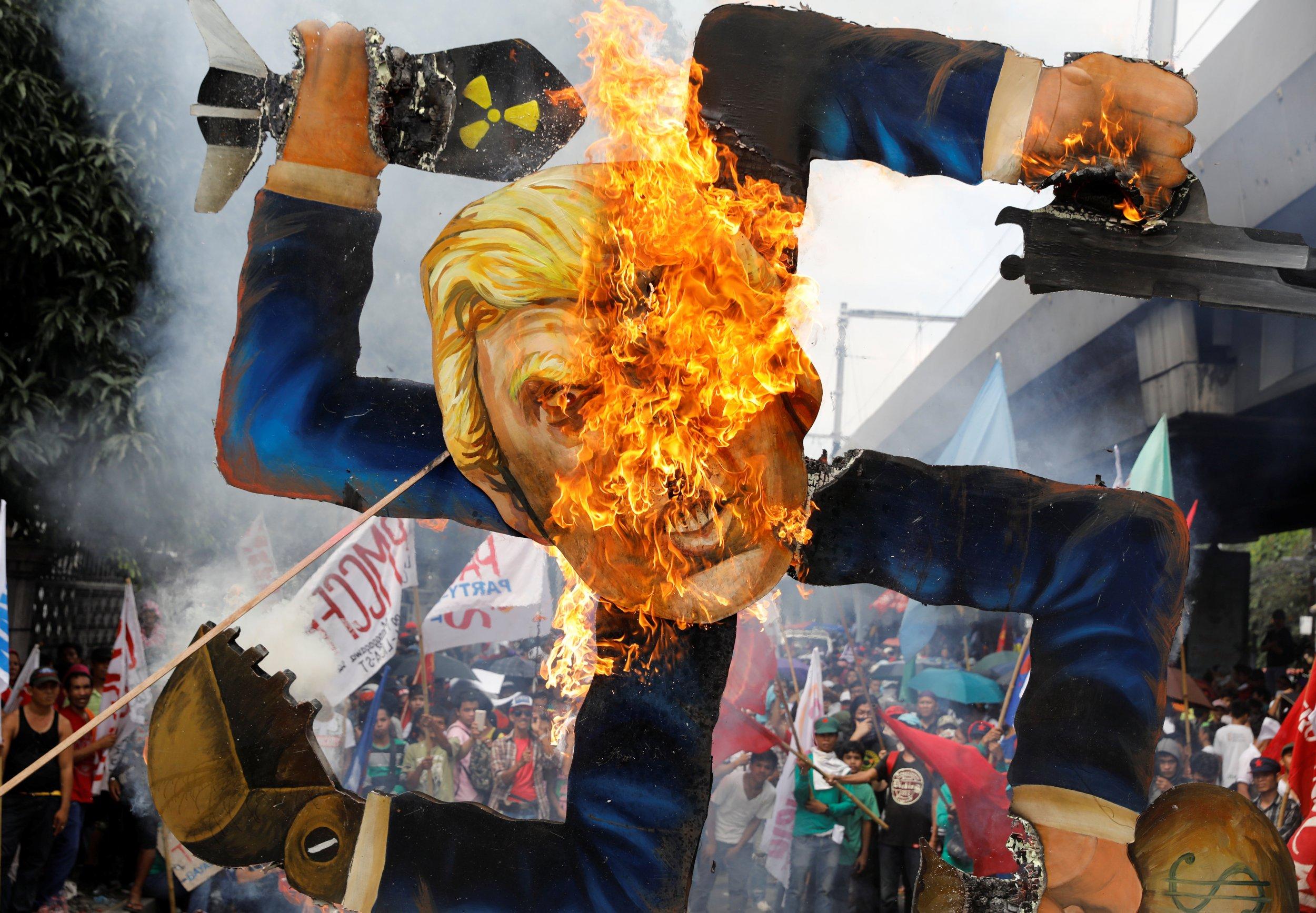11_13_Trump_effigy