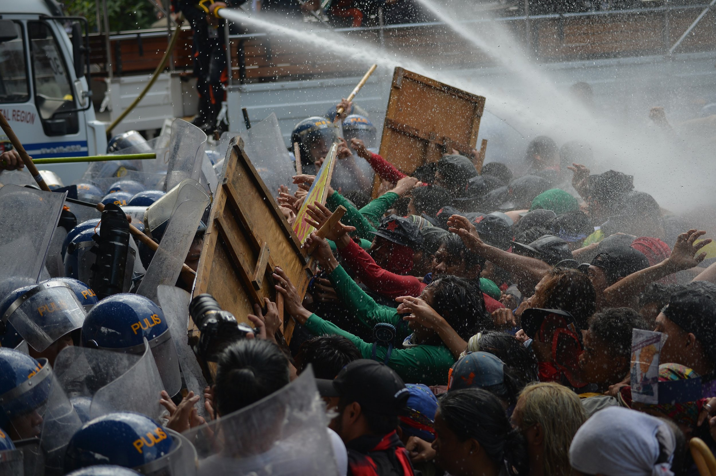 11_13_Philippines_protests