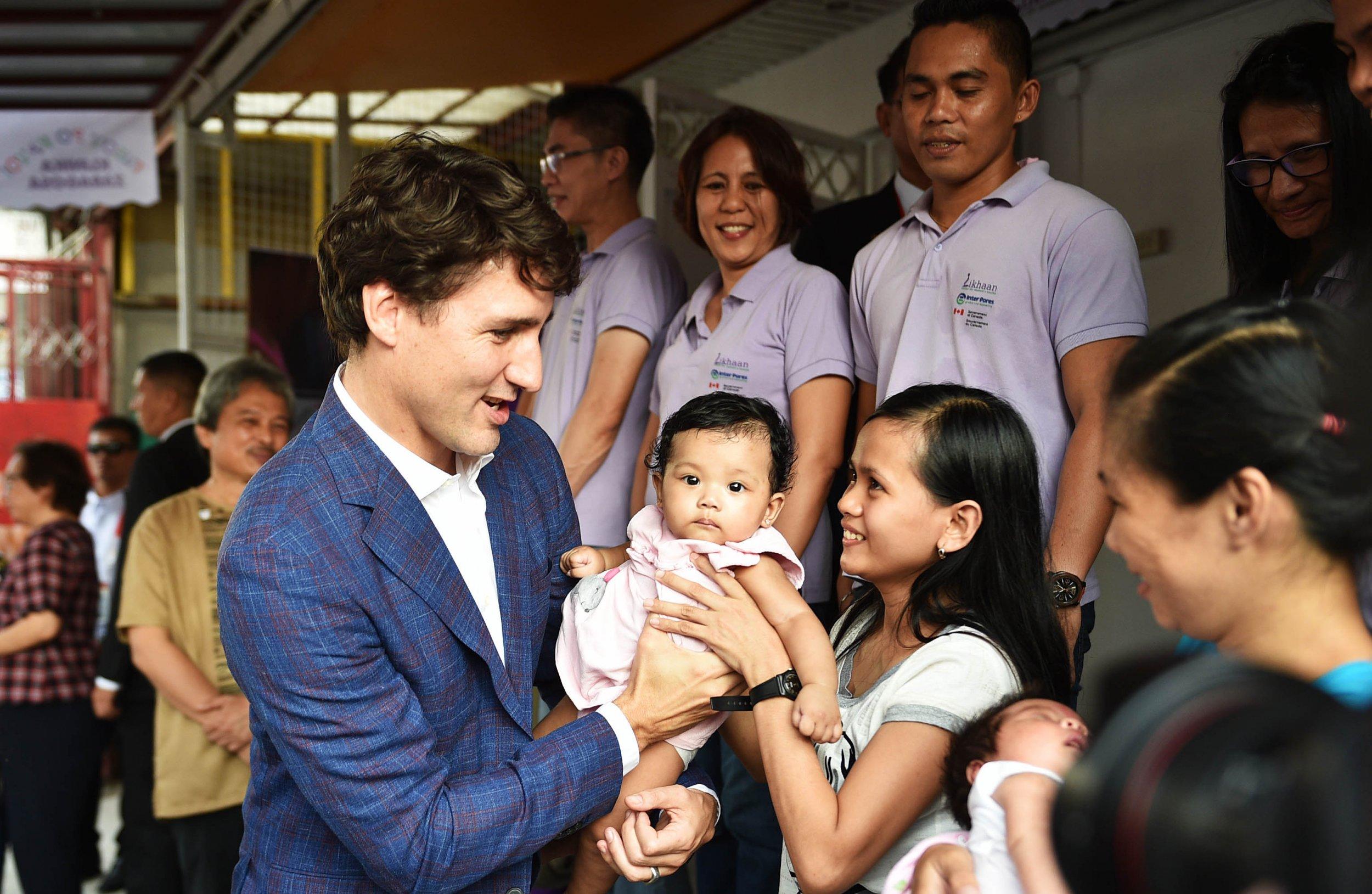 11_13_Trudeau_popular