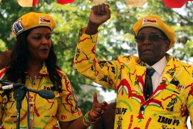 1114_Zimbabwe_tanks
