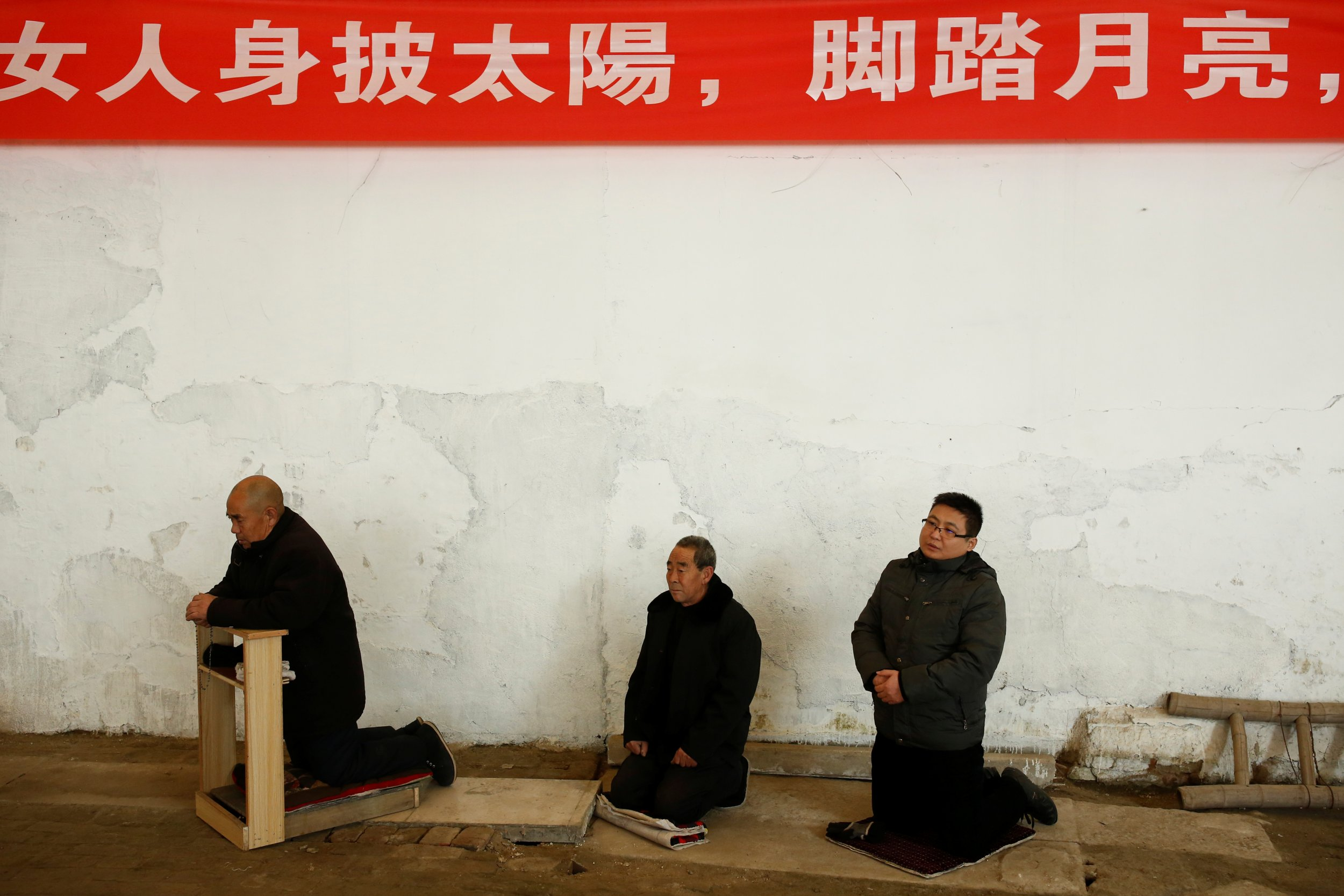 Impoverished Chinese Christians must take down pictures of Jesus and replace them with photos of Xi