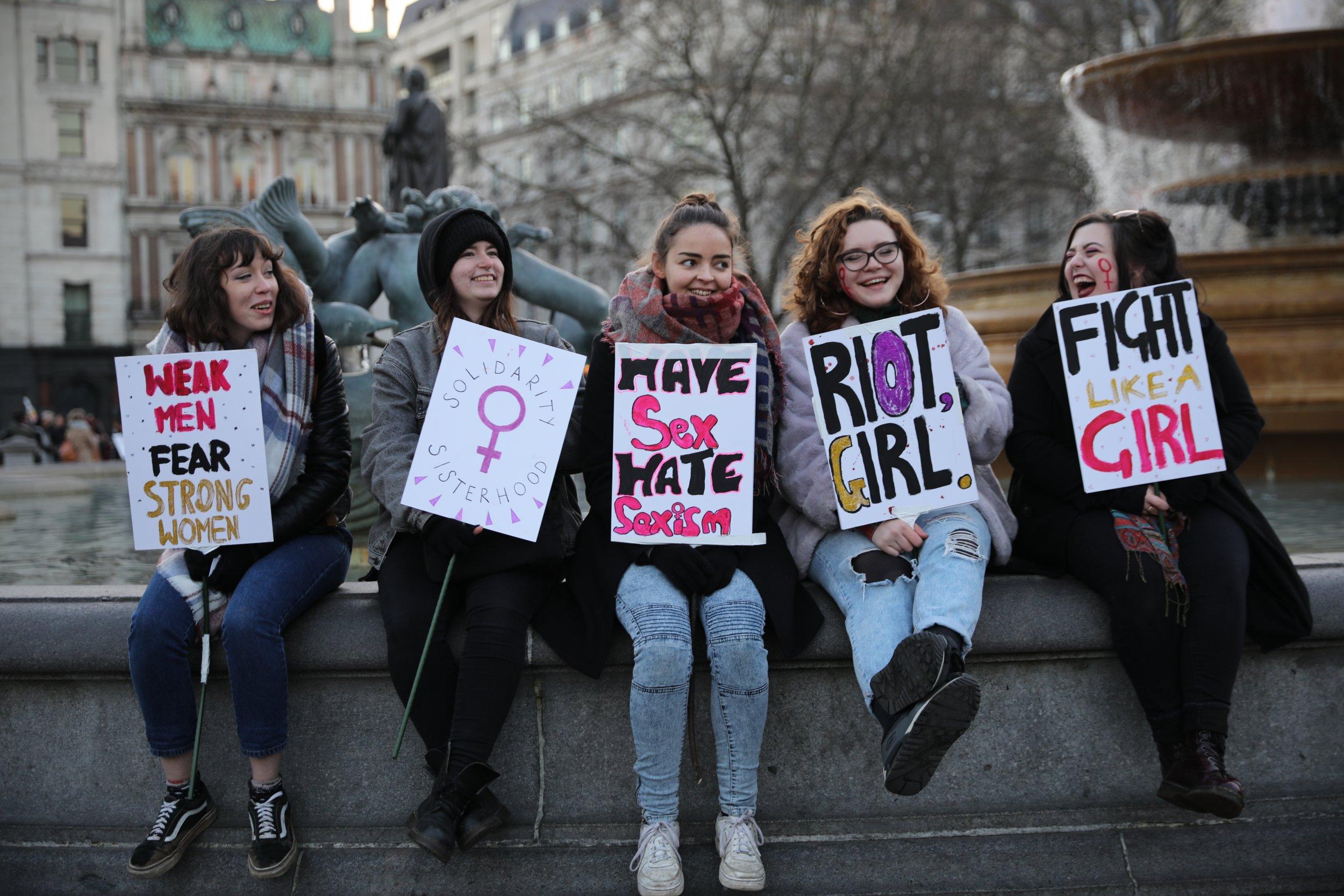 1114_Women_Protesting