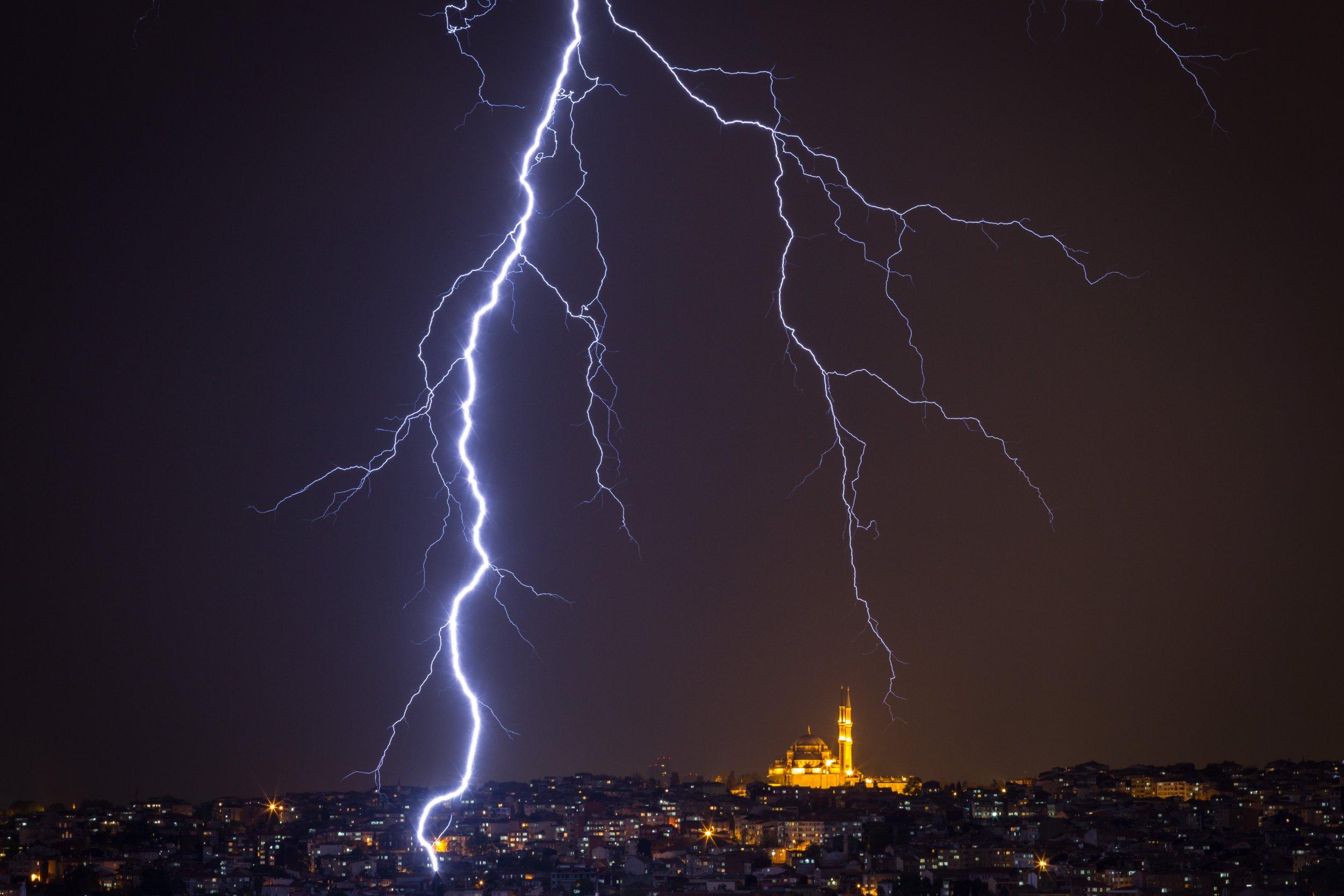 11_15_lightning