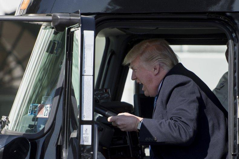 11_15_Donald_Trump_truck