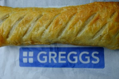 11_15_Sausage_Roll_Greggs