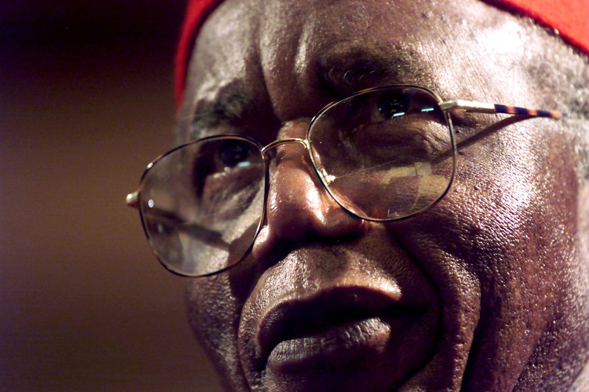 1116_Chinua_Achebe
