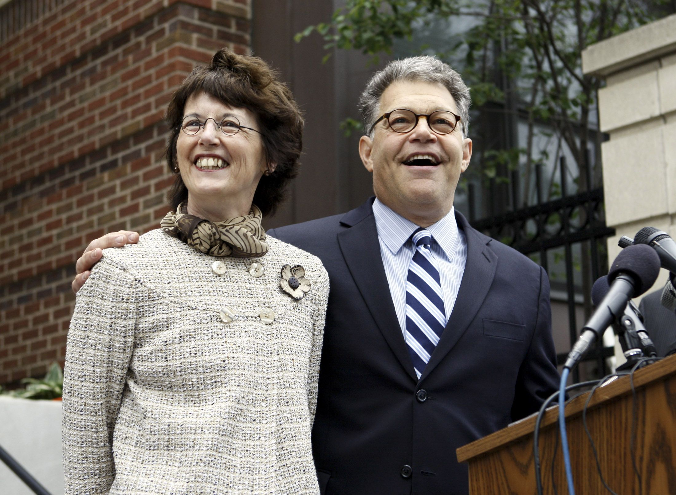 Al Franken with kind, Wife Franni Bryson