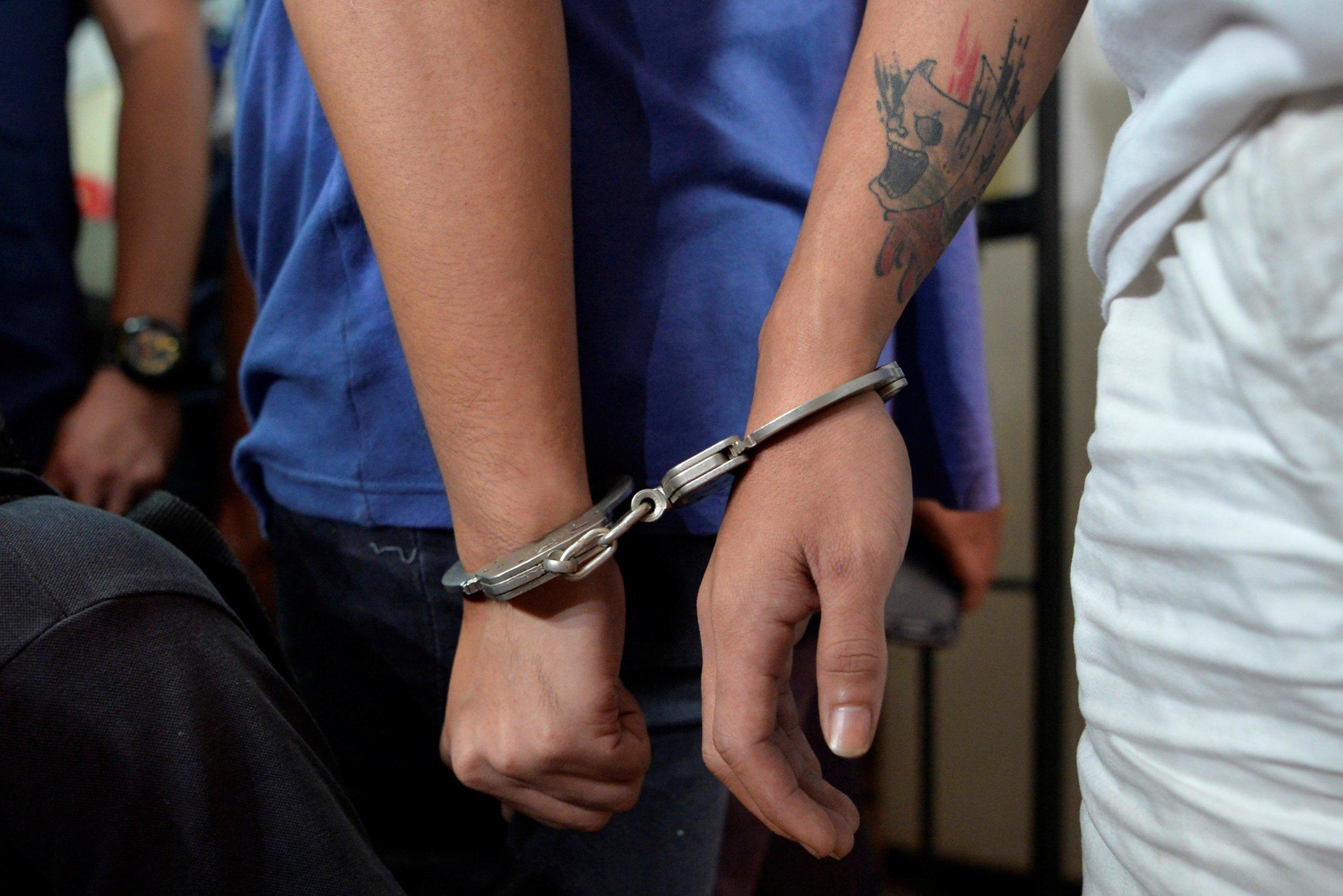 11_16_Handcuffs