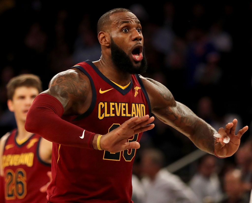 ed490b7a6971 LeBron James Won't Stay at the Cavaliers if They Keep Losing, Hints ...