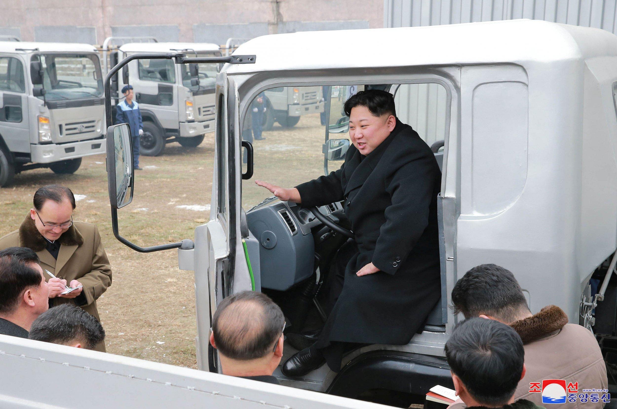 11_21_Kim Jong Un_Truck