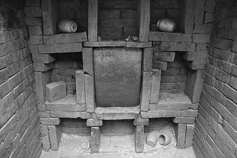 11_21_China_Tomb