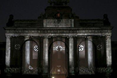 11_21_Nazi_Swastikas