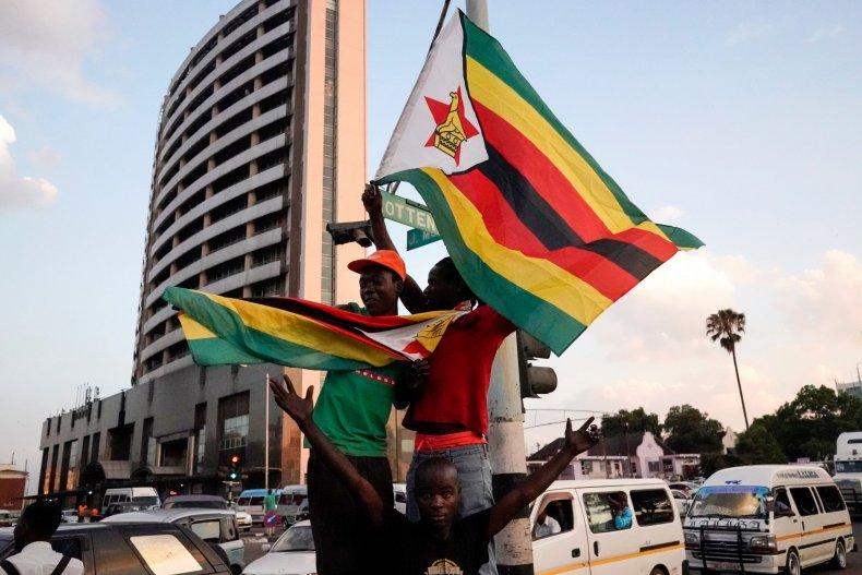 1121_Zimbabwe_celebrations