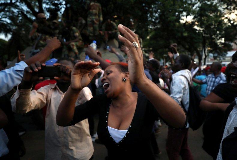 1121_Zimbabwe_celebrations_6