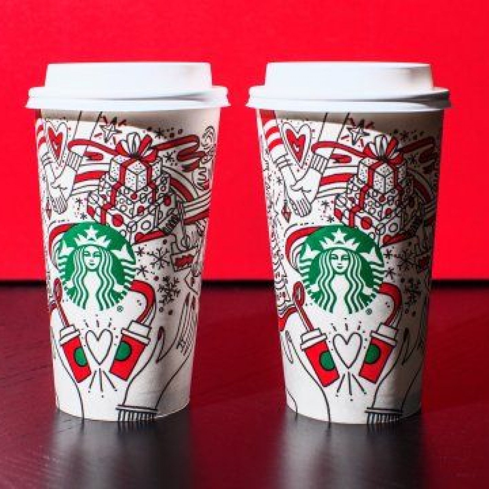 Starbucks Christmas Cups 2019.Starbucks Continues So Called War On Christmas With