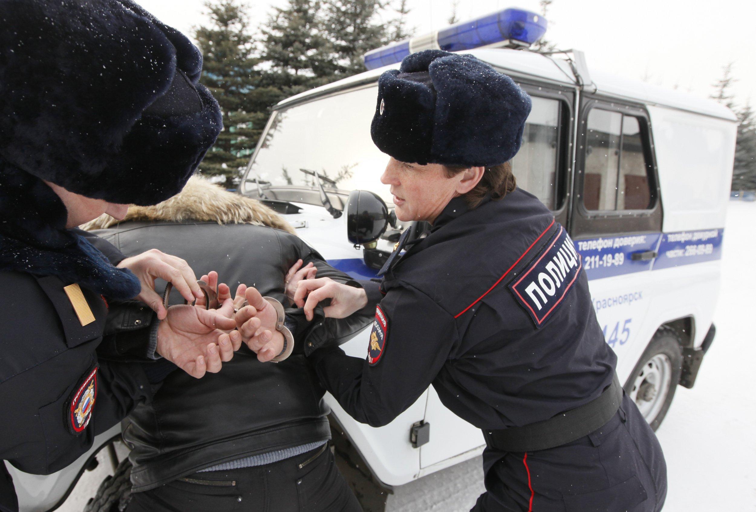 11_22_Siberia_police