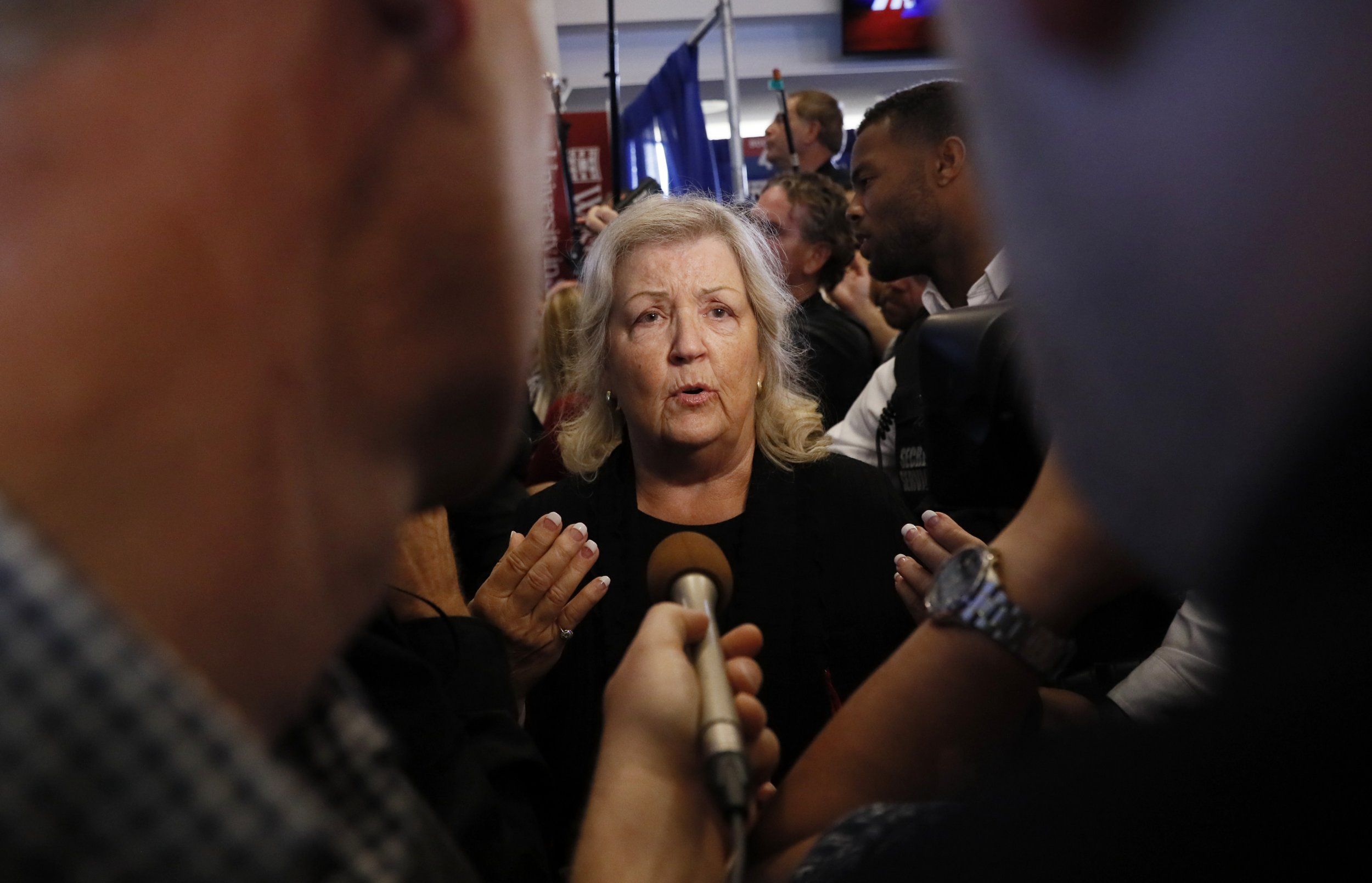 Juanita-Broaddrick-Bill-Clinton