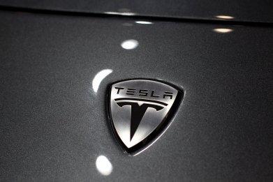 11_23_Tesla