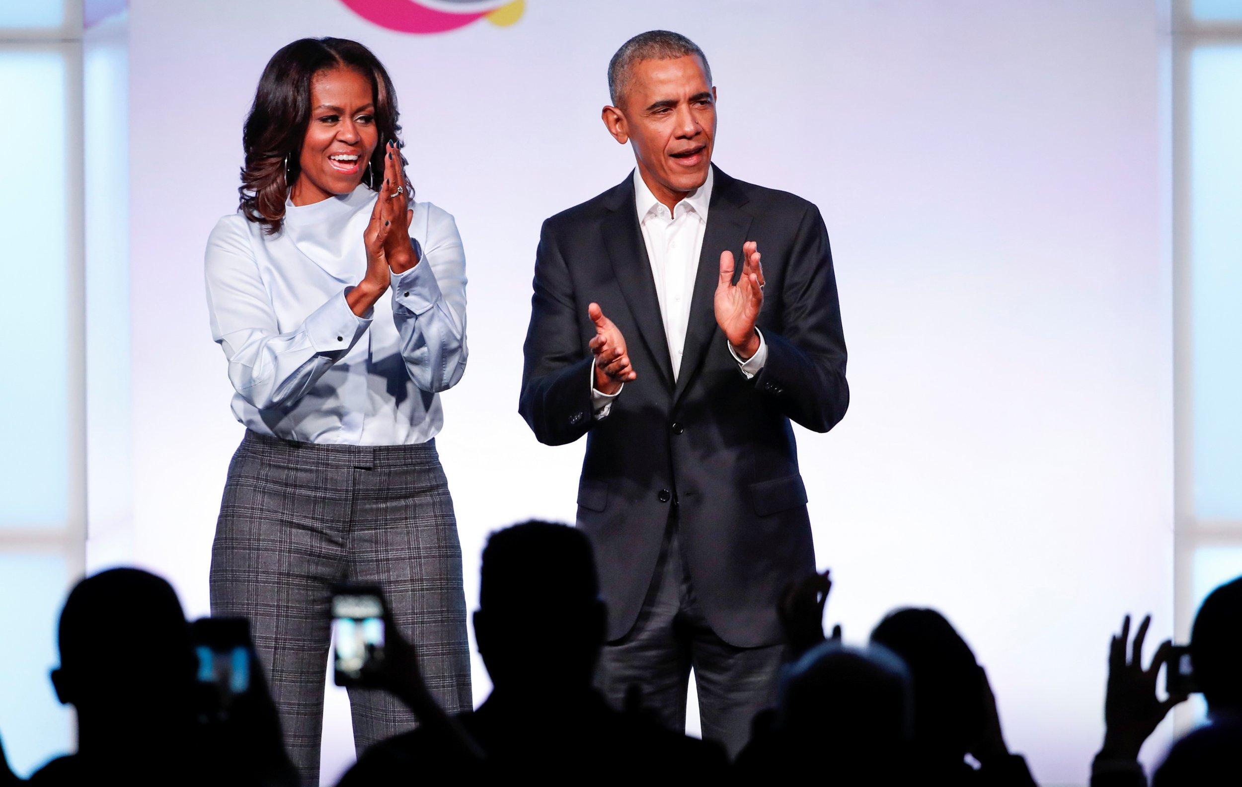 Barack Obama's Thanksgiving tweet was 10 times more popular than Donald Trump's