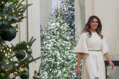 11_27_Melania_Trump_Christmas