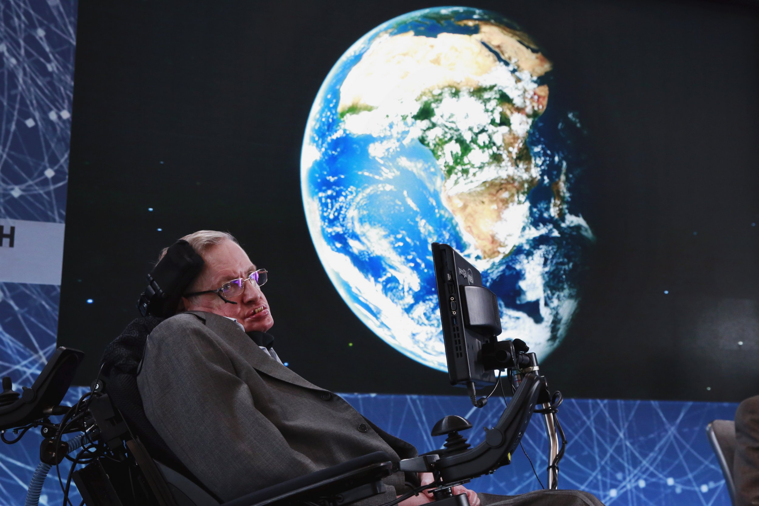 And the Earth will turn into a flaming ball: Stephen Hawking predicted the death of mankind