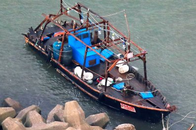11_28_North_Korea_Boat