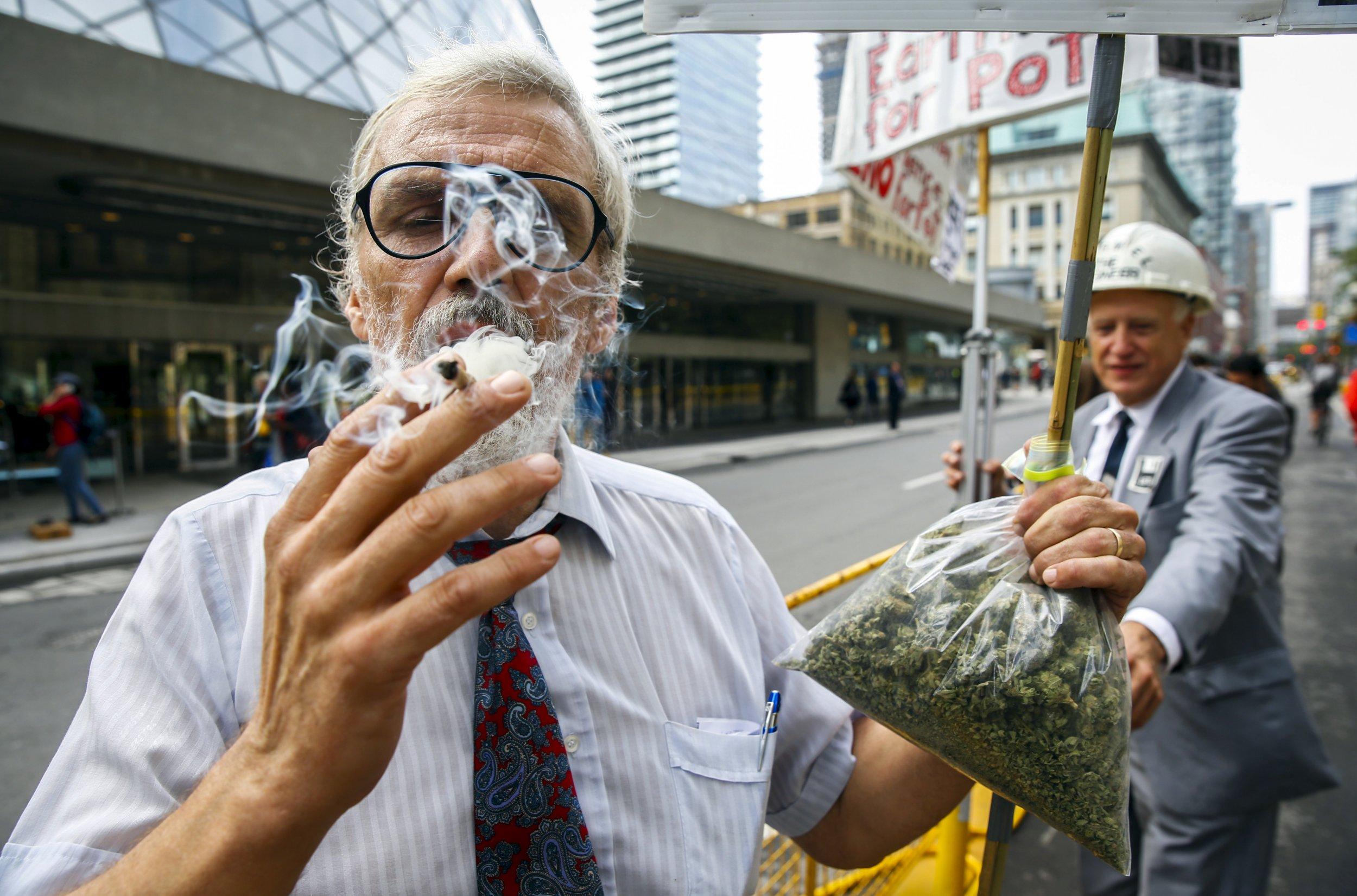 11_28_Marijuana_Canada
