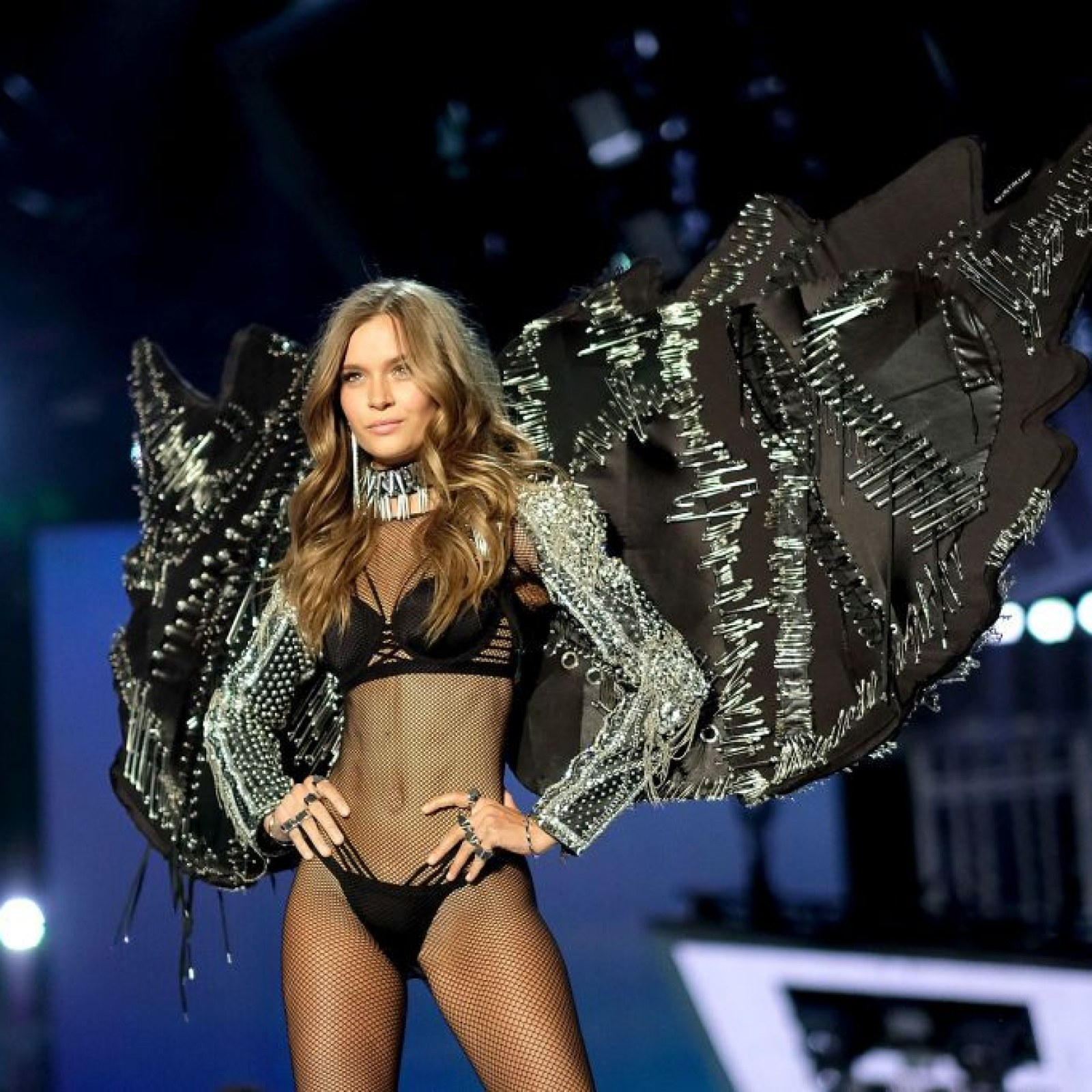 victorias secret fashion show 2017 free stream