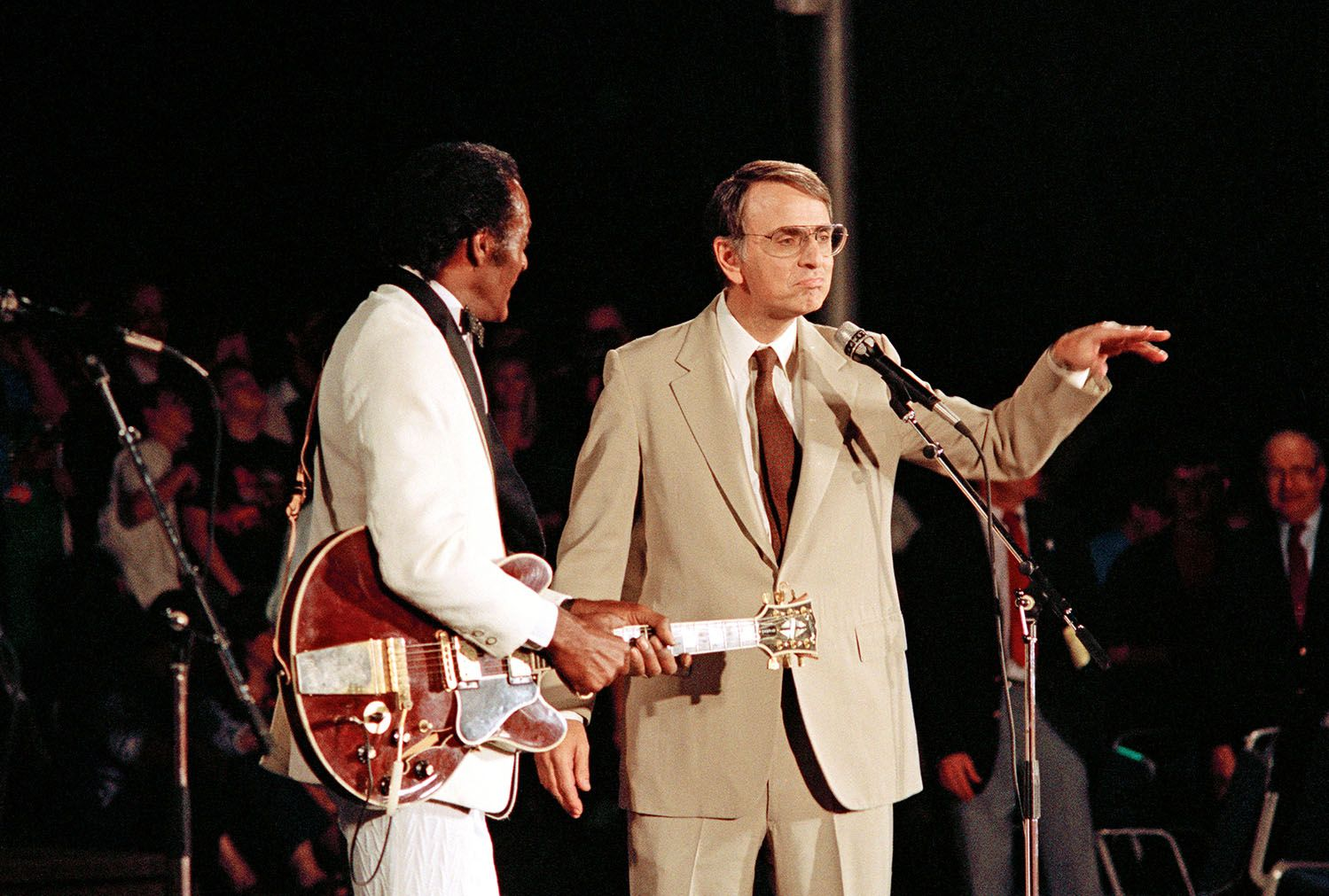 11_28_chuck_berry_voyager