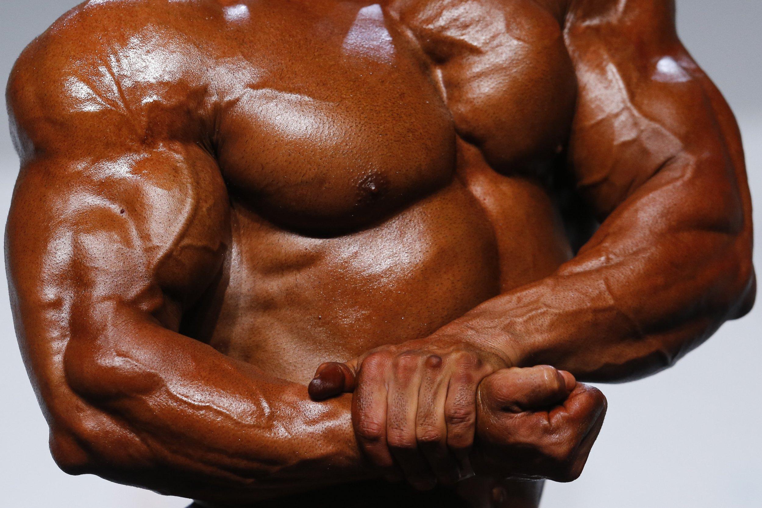 11_28_bodybuilder