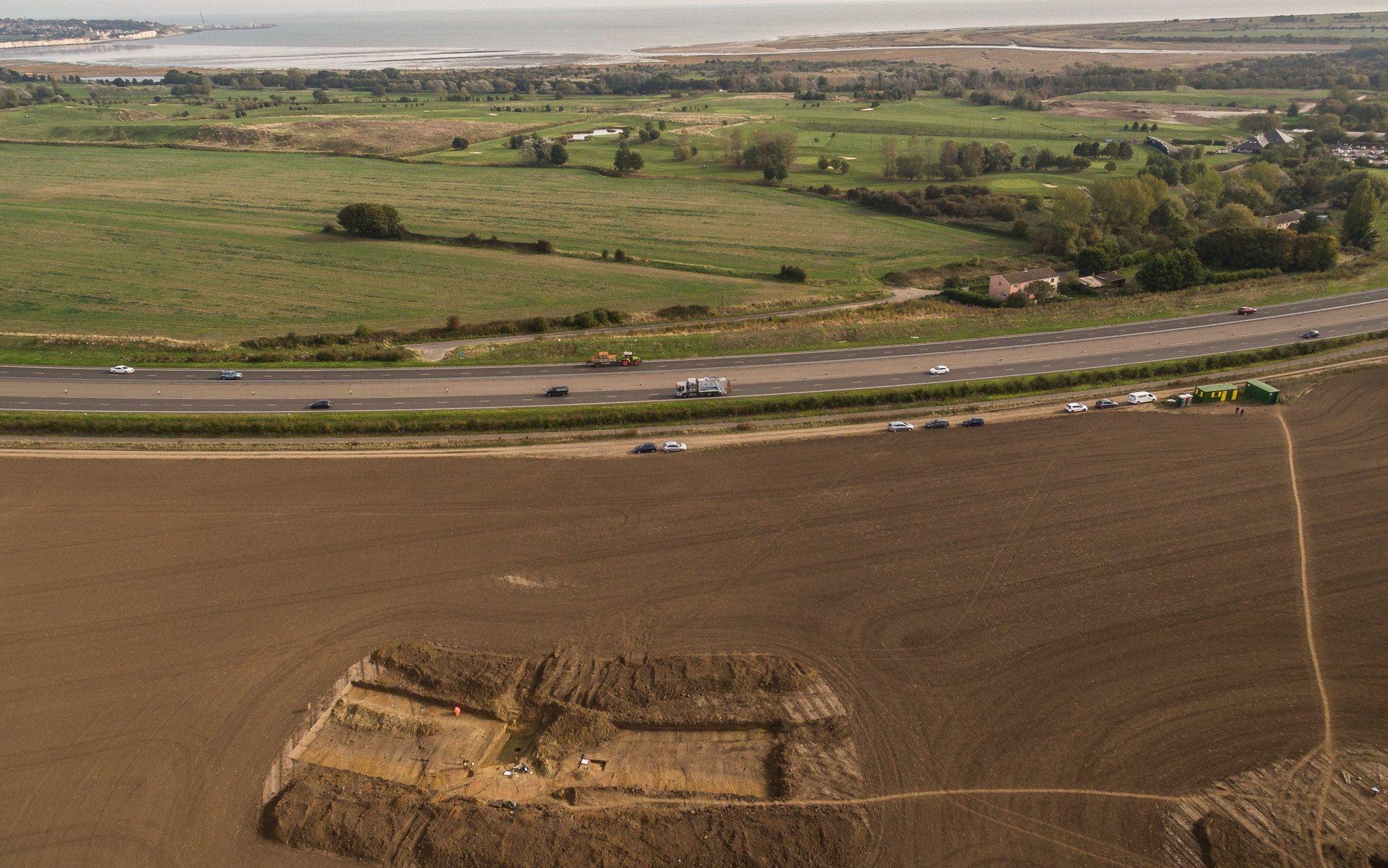 4-Ebbsfleet-excavation-with-Pegwell-Bay-Ramsgate_trans_NvBQzQNjv4BqjZ74xHwVbP0tA0CUaGf3uwhDOFTbUsMHkVDDn2MqFbM