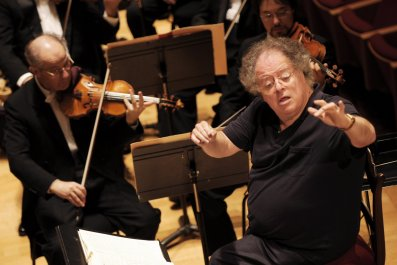 Metropolitan Opera suspends James Levine
